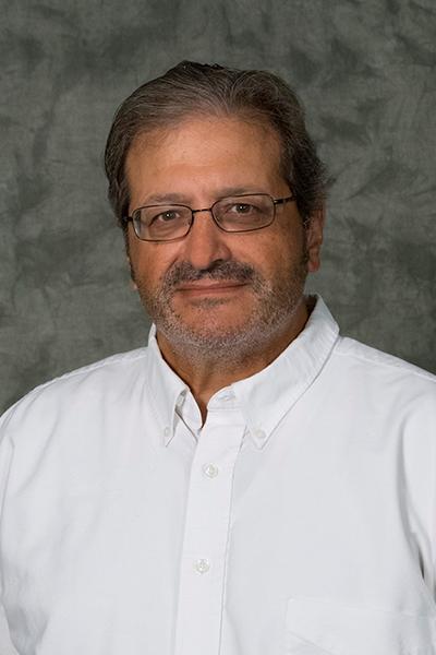 Robert Avanzato Headshot